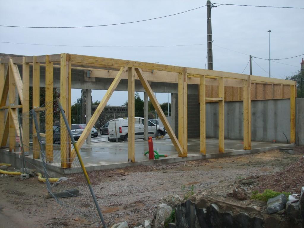 Construction d un local commercial menuiserie dalmont for Construction local commercial